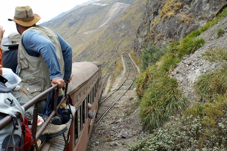 Ecuador_train_roof_ride_view_8